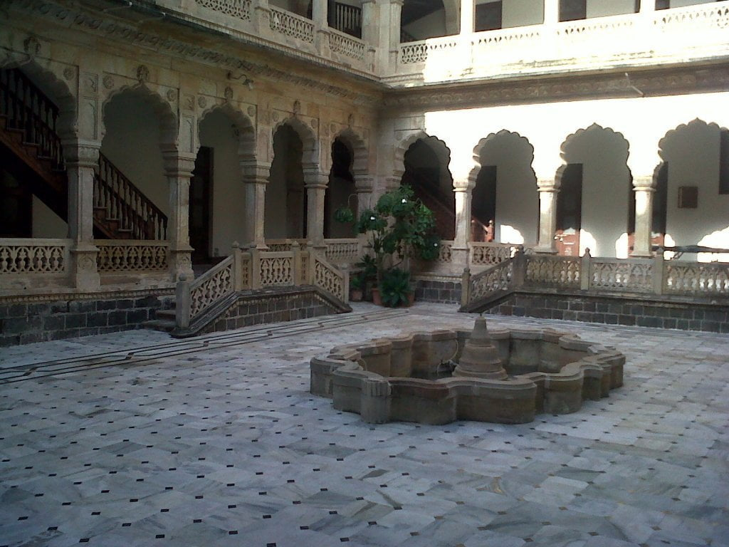 courtyard of Darbargadh palace
