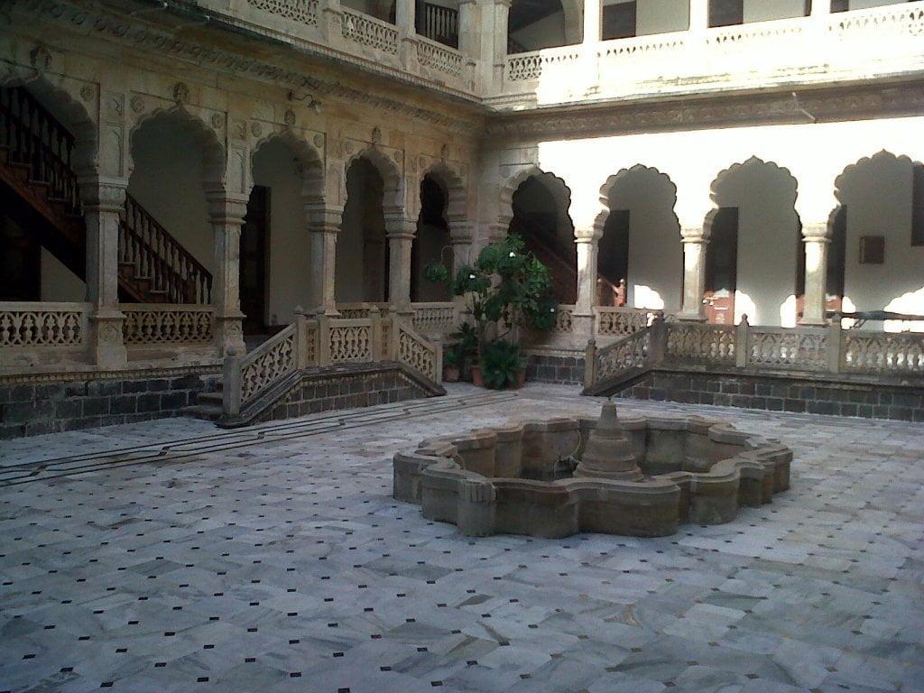 courtyard of Darbargadh palace